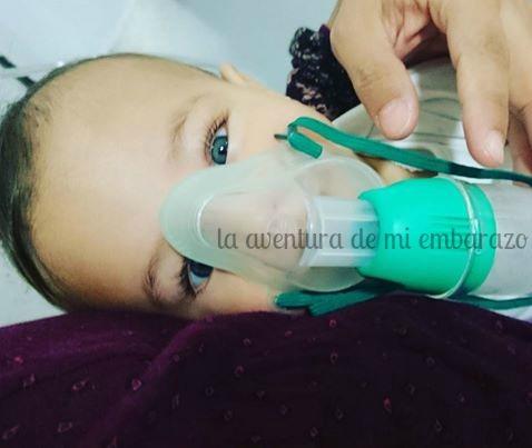 photo bebe-asma-mascarilla-aerosol-es_zpsjvdhrmn1.jpg